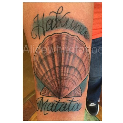 Scallop Shell Tattoo, shell tattoo, hakuna matata tattoo, lettering, script tattoo, Provincetown tattoo, Cape Cod tattoo, Ptown tattoo, truro tattoo, wellfleet tattoo, custom tattoo, coastline tattoo