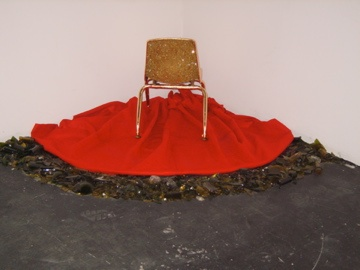 golden corner throne