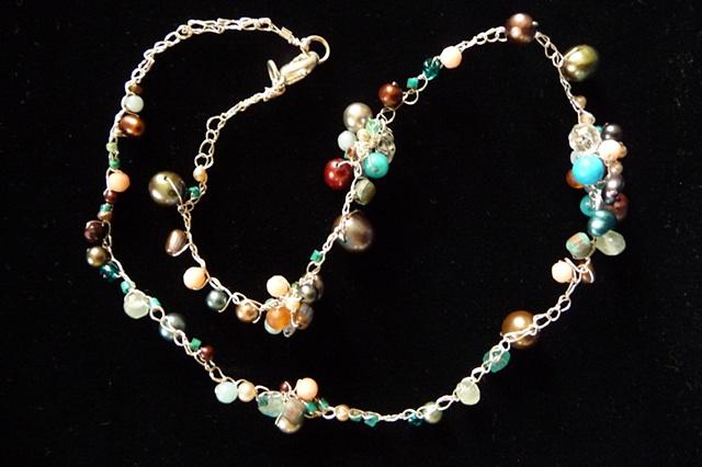 Nara's Cluster Necklace