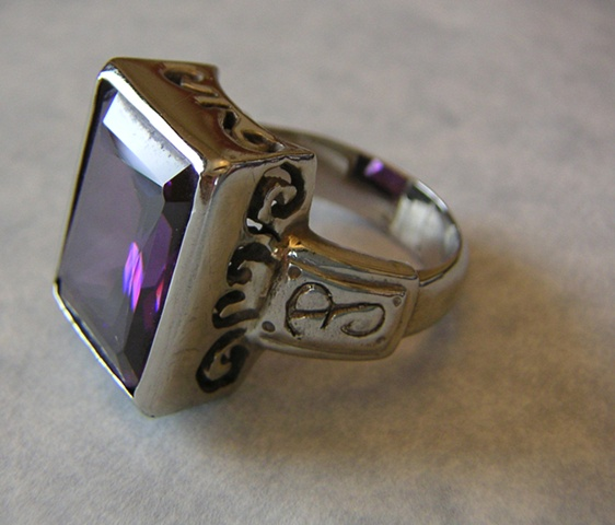 Amethyst Ring (side view)