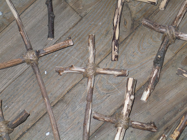 13 Crosses detail