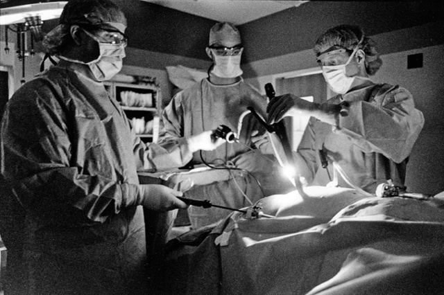 Doctor Roy Cobean performs gastric bypass on Maggie Neilson.