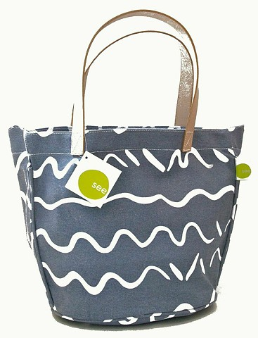 song grey leather handle circle tote