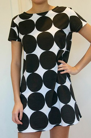 black dots knit