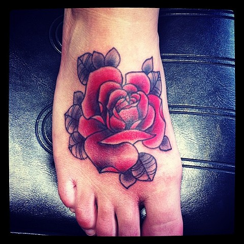 Traditional Rose on foot by Sydey Dyer