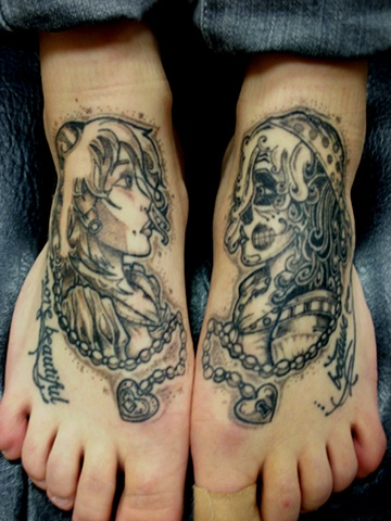 Black & Grey Girl Foot Piece
