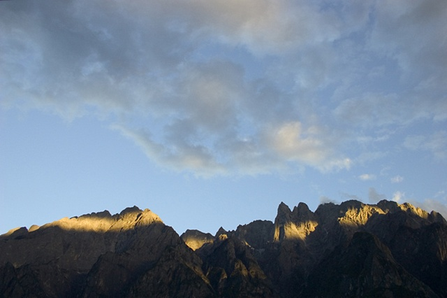 Light up the Peaks - Tiger Leaping Gorge