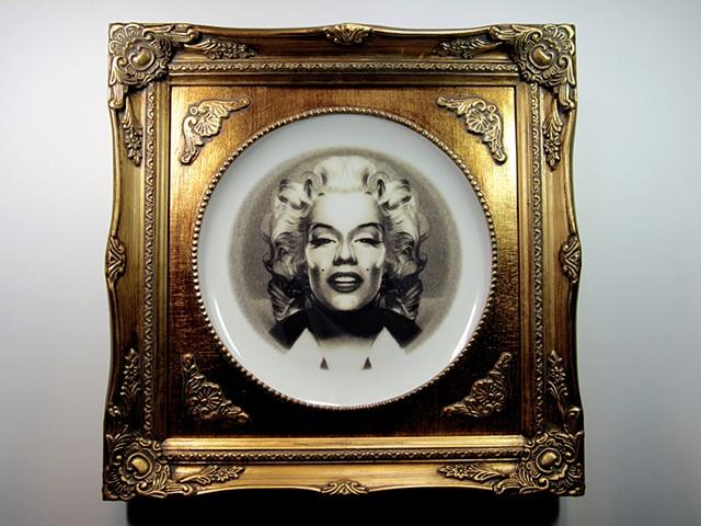 Symmetrical Marilyn