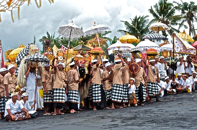 Escorting the Barong to the Beach