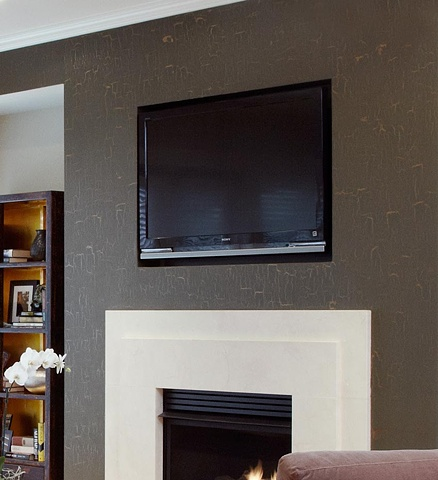 Large crackle over metallic gold base in living room.