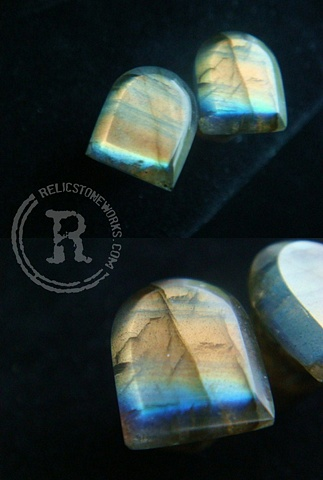 0g Rainbow Labradorite Horseshoes