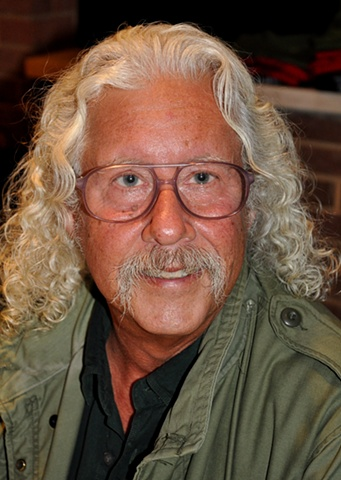 Arlo Guthrie after his concert in Middletown, OH