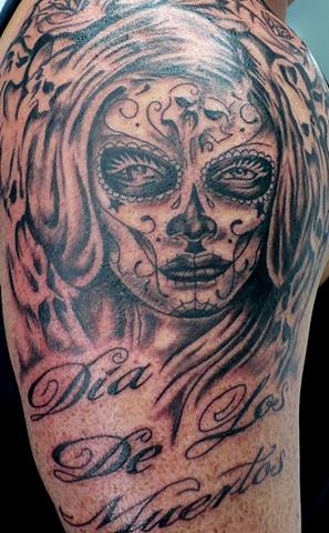 Kustom Tattoo.