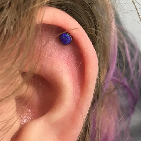 Neo metal opal upper ear threadless jewellery