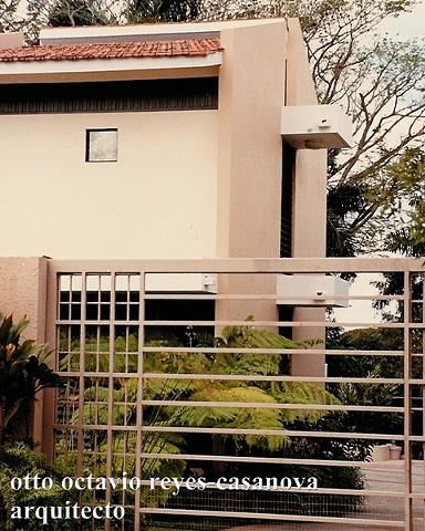 Residencia Fernando Longo. 1991