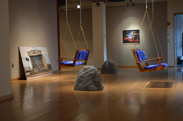 Gawker Exhibit, Bench Whispers