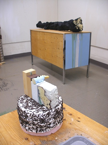Trunk Bench and Cake (version 3)