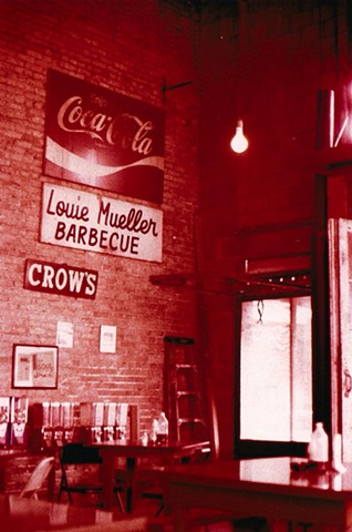 tungsten film photograph louie mueller barbecue in taylor, texas