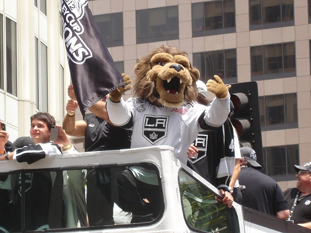 Los Angeles Kings Mascot - Bailey!!