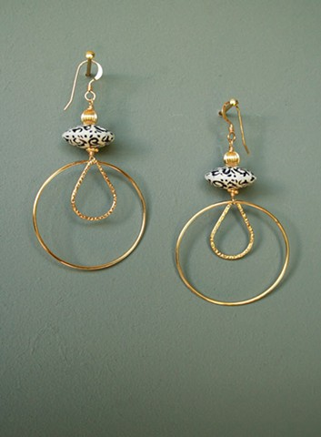 14ct gold-filled earrings with Vintage Lucite lentil beads and gold-filled corrugated beads.