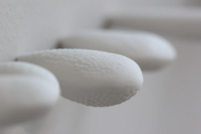 Natalie Shelly - Breath - Porcelain, cobalt carbonate oxide pencil