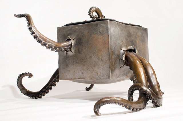 Claustrophobic Octopus Box