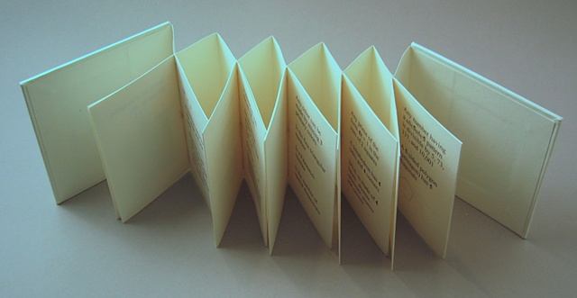 The accordion structure of the book