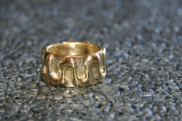 SOLD  zigzag band