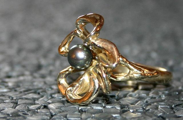 SOLD fleur en bronze