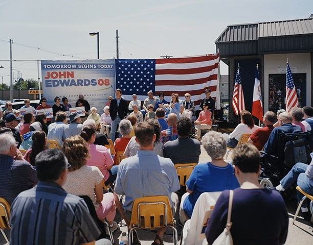 Elizabeth Edwards introduces John, New Hampton, Iowa.  May 27, 2007