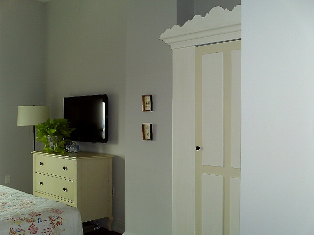 Painted furniture for a small bedroom by Jane Interiors NYC