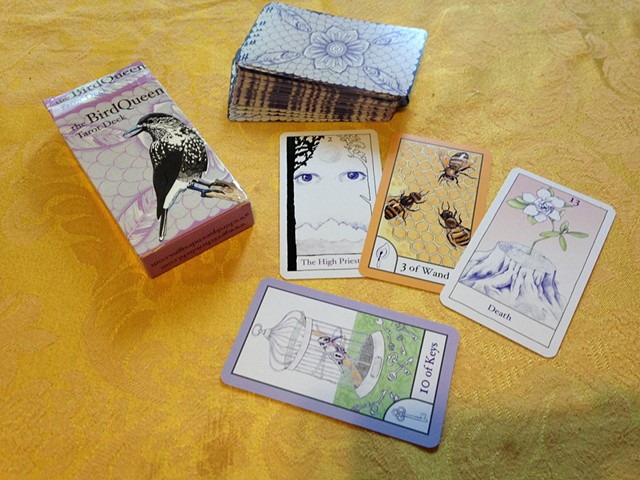 The BirdQueen Tarot Deck
