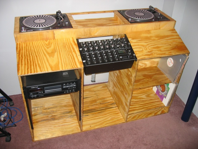 Dj Mannys dj table