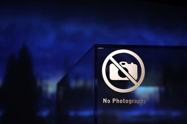 no photography (blue)