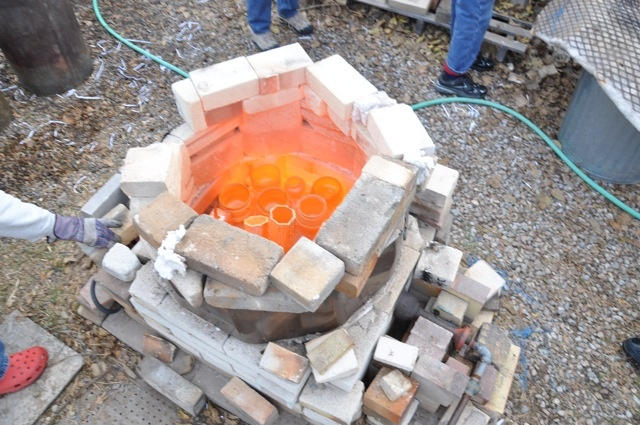 Red-hot ware in Raku kiln