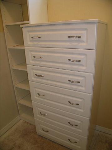 White melamine 6 drawer dresser
