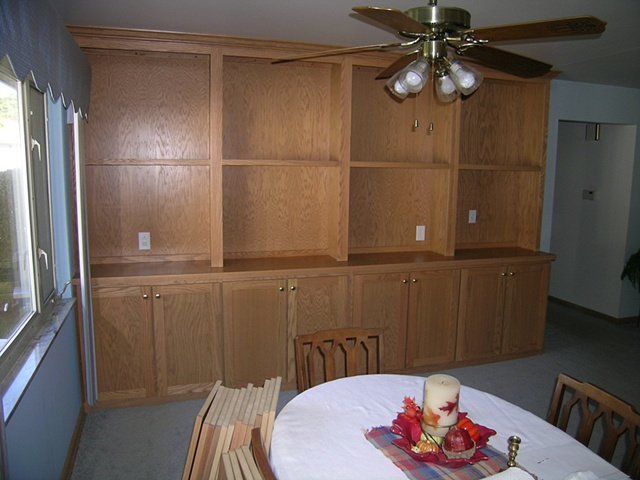 Solid oak and Oak veneer closed and open storage