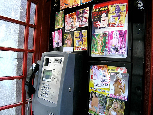 Tartcards in phoneboxes