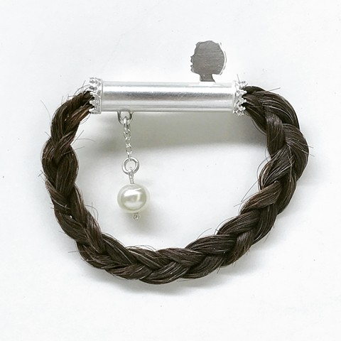 Smulovitz, Tangible Hope 12, sterling silver, hair, pearl brooch