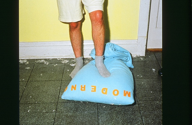 Pillow Fight 2000