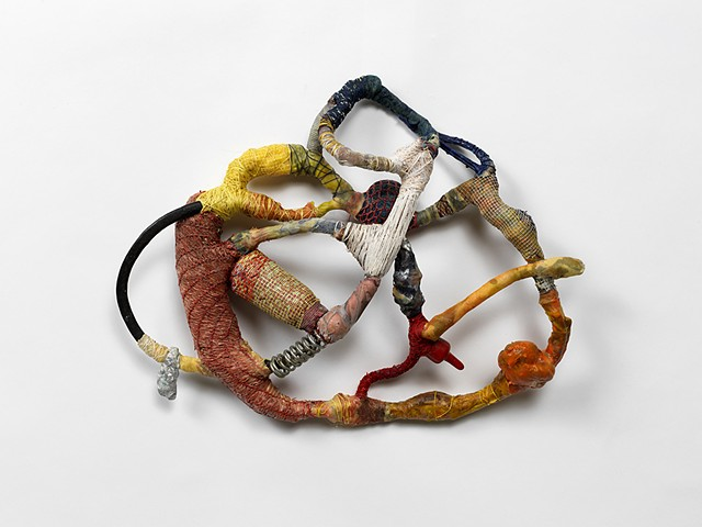 Sculpture, Chicago. Using glue, wire, thread and piment I am creating a new life for the debris.