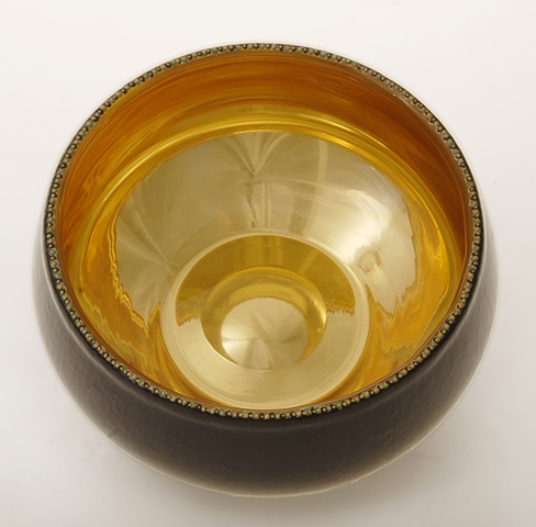 eglomise, églomisé, Reverse gilding and painting on glass, blown glass bowl, water gilding with gold leaf , verre églomisé, gold and black glass bowl, glass art