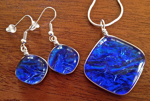 "Sky Blue ""Pillow"" earring/necklace set..."