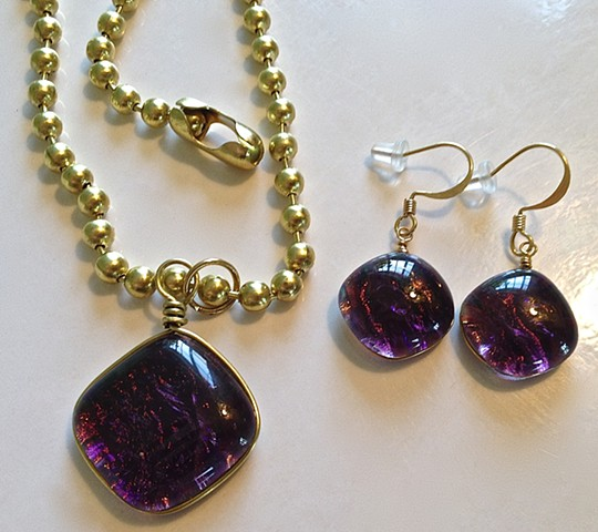 Grapeade Pillow necklace and earrings set...