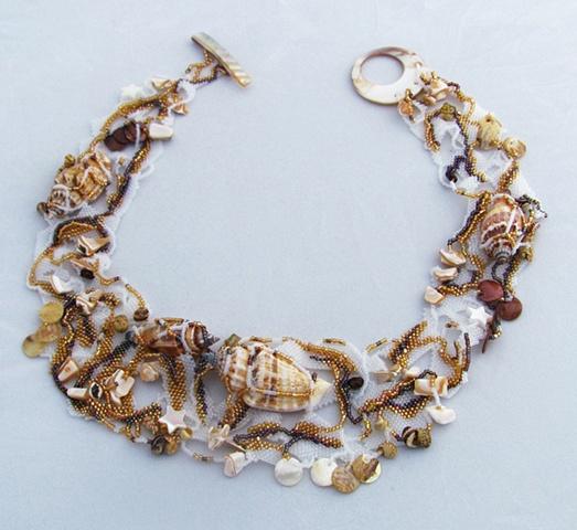 Necklace open