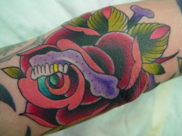 rose with skull jaw