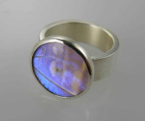 'Ethereal', Ring