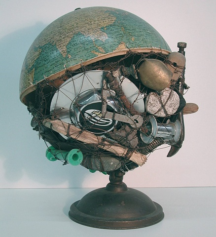 Globe, The Veld
