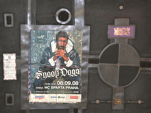 Snoop In Prague, One Halo