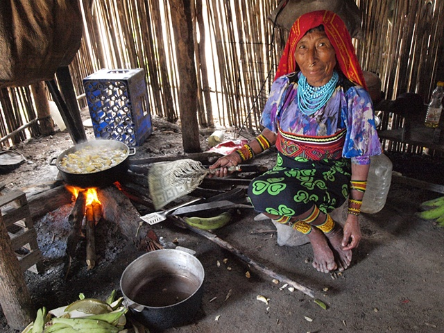 Kuna woman, San Blas islands, Ailitupu